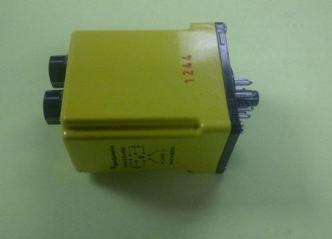 p b voltage sensing relay p u 20 30v out 18 28v csl38 30010. Black Bedroom Furniture Sets. Home Design Ideas